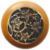 Notting Hill NHW-715M-AB, Ivy With Berries Wood Knob in Antique Brass/Maple Wood, Leaves Collection