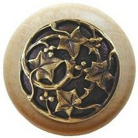 Notting Hill NHW-715N-AB, Ivy With Berries Wood Knob in Antique Brass/Natural Wood, Leaves Collection