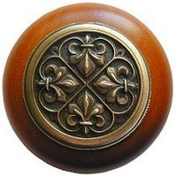 Notting Hill NHW-760C-AB, Fleur-De-Lis Wood Knob in Antique Brass/Cherry Wood, Olde World Collection
