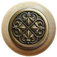 Notting Hill NHW-760N-AB, Fleur-De-Lis Wood Knob in Antique Brass/Natural Wood, Olde World Collection