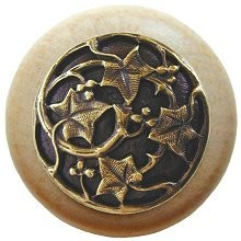 Notting Hill NHW-715N-AB, Ivy With Berries Wood Knob in Antique Brass/Natural Wood, Leaves