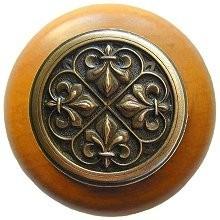 Notting Hill NHW-760M-AB, Fleur-De-Lis Wood Knob in Antique Brass/Maple Wood, Olde World