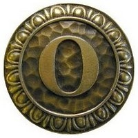 Notting Hill NHK-194-AB, Initial O Knob in Antique Brass, Jewel