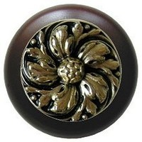 Notting Hill NHW-714W-BB, Chrysanthemum Wood Knob in Brite Brass/Dark Walnut Wood, English Garden